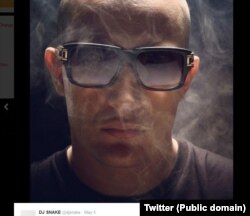 DJ Snake selfie posted on Twitter, May 5, 2014.