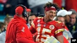 49ers Chiefs Super Bowl Football, . Patrick Mahomes