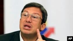 El ministro ecuatoriano del Interior, César Navas, afirmó también que no ha habido nuevas pruebas de vida de los dos periodistas y el chofer secuestrados desde el pasado tres de abril.