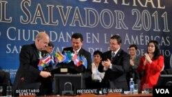 El secretario general de la OEA, José Miguel Insulza, destacó la consolidación de la democracia en la región.