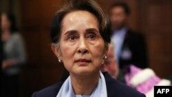 Nhà lãnh đạo bị lật đổ Aung San Suu Kyi hiện trong tìnhh trạng sức khỏe tốt và sẽ ra tòa vào ngày thứ Hai, lãnh đạo chính quyền quân sự Myanmar Min Aung Hlaing cho biết.