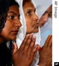 مسیحی برادری سے تعلق رکھنے والی خواتین (فائل فوٹو)