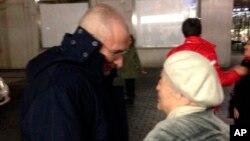 Annesiyle bir araya gelen Mikail Hodorkovski