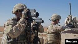 Abasirikare b'Amerika mu gisagara ca Manbij, muri Siriya.
