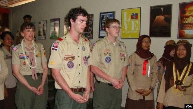 Pramuka dari beberapa negara bagian di Amerika Serikat berkunjung ke Yogyakarta. (VOA/Nurhadi Sucahyo)