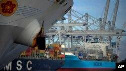 Las exportaciones de EE.UU. se incrementaron el último trimestre del año pasado.