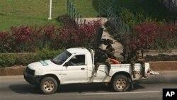 效忠现任总统巴博的部队4月2日在阿比让街头巡逻
