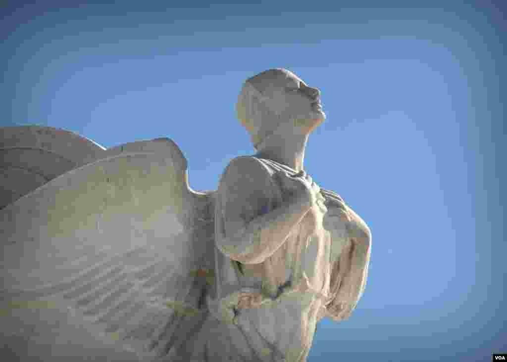 Ангел. Фрагмент памятника Колумбу в Вашингтоне