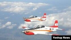 한국이 개발한 훈련기 KT-1. (자료사진)