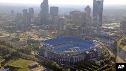 Stadion Bank of America di Charlotte, North Carolina, tempat Presiden Amerika Barack Obama akan menyampaikan pidatonya pada Konvensi Nasional Partai Demokrat. (Foto: Dok)