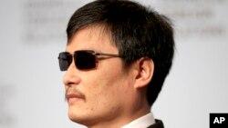 El activista chino Chen Guangcheng acusa al gobierno chino de presionar a la universidad de Nueva York.