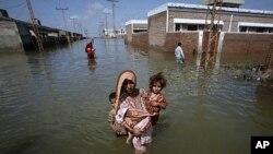 سیلاب متاثرین کے لیے امدادی سرگرمیاں بند ہونے کا خدشہ