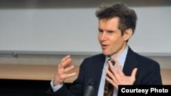 Марк Крамер, профессор Гарвардского университета