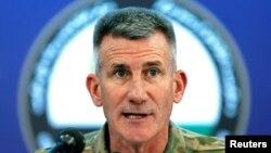Le général américain John Nicholson lors d'une conférence de presse à Kaboul, en Afghanistan, le 20 novembre 2017.