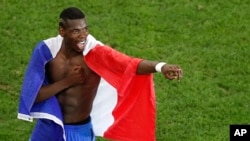 Paul Pogba lors d'un match au stade de France.