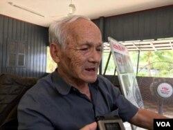 រូបឯកសារ៖ លោក ប៊ូ ម៉េង តំណាងដើមបណ្តឹងរដ្ឋប្បវេណីផ្តល់បទសម្ភាសន៍ដល់ VOA នៅសារមន្ទីរទួលស្លែង រាជធានីភ្នំពេញ ថ្ងៃទី៥ ខែសីហា ឆ្នាំ២០១៩។ (កាន់ វិច្ឆិកា/VOA Khmer)
