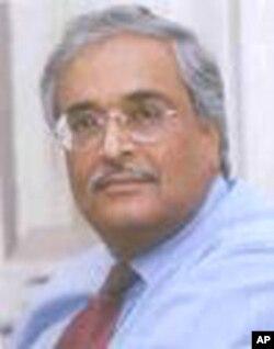 ড: দেবপ্রিয় ভট্টাচার্য বাংলাদেশের অর্থনৈতিক পরিস্থিতির মূল্যায়ন করেন