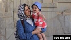 نازنین زاغری شهروند بریتانیایی ایرانی که سابقه کار در بنیاد تامسون رویترز را دارد، در سفر به ایران بازداشت شد