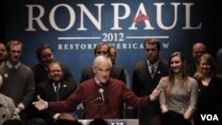 El congresista Ron Paul se ha esforzado por lograr en Maine su primera victoria.