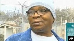 Glenn Ford (64 tahun), dibebaskan setelah bukti baru menunjukkan ia tidak bersalah.