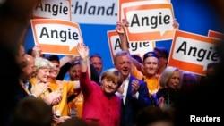 Bà Merkel kêu gọi cử tri ủng hộ bà thật đông để dẫn đến một nước Đức mạnh hơn, được kính nể khắp châu Âu