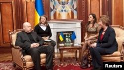 Александр Турчинов и Кэтрин Эштон в Киеве 24 февраля 2014г.