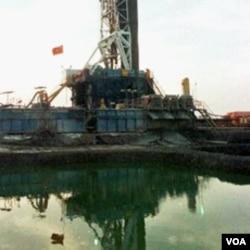 Pengeboran minyak di Bentiu, Sudan selatan. Sekitar 80 persen dari minyak yang diproduksi di Sudan, dihasilkan di selatan.