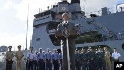 Обама на борту флагманського корабля філіппінських ВМС BRP Gregorio del Pilar