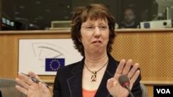 Kepala Urusan Luar Negeri Catherine Ashton (foto: dok) mewakili Uni Eropa dalam perundingan dengan Iran.