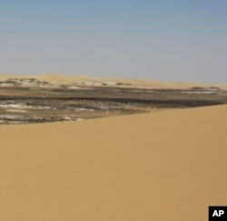 British geologist Michael Welland says sand has many uses in the modern world.