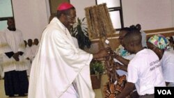 Dom José Manuel Imbamba, arcebispo de Saurimo (Foto de arquivo)