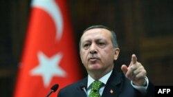 Türkiyə Liviyaya qarşı hücumların sərtliyini tənqid edib