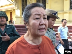 Lim Mony, Adhoc's rights defender, was at Supreme Court after hearing the verdict on November 30, 2016. (Kann Vicheika/VOA Khmer)