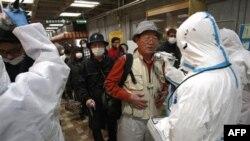 Проверка уровеня радиации на Фукусиме