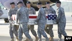 Tổng cộng 66 quân nhân Hoa Kỳ thiệt mạng trong tháng 8 năm 2011.