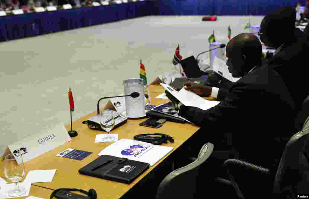 The representative from Guinea is absent for the opening session of the US-Africa Leaders Summit. The leaders of Guinea and Sierra Leone skipped the summit to deal with the ebola crisis at home,in Washington, DC, Aug. 4, 2014.