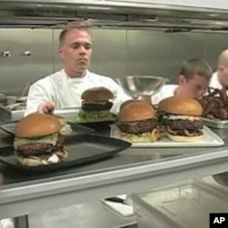 Las Vegas chefs serve up designer hamburgers