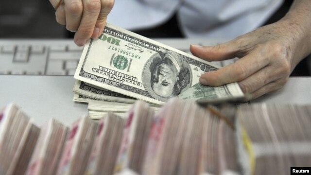 Durante el 2012, El Salvador ha recibido remesas por un promedio mensual de $320,2 millones de dólares.