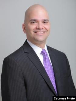 貝克豪斯律師事務所律師杰‧納納瓦蒂