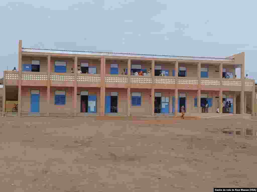 Un bureau de vote dans le département de Pikine, au Sénégal, le 30 juillet 2017. (VOA/Centre de vote de Keur Massar)