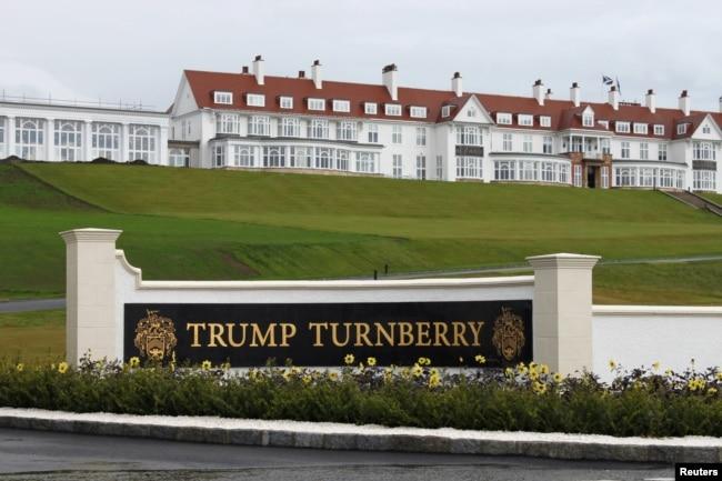 Vista exterior del hotel del complejo de golf Trump Turnberry en Turnberry, Escocia, Gran Bretaña, 13 de junio de 2016.