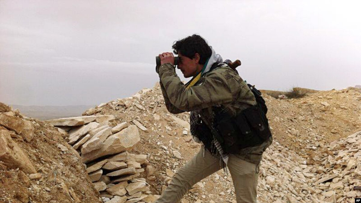Syrian Troops Seize Major Rebel Town Near Lebanon