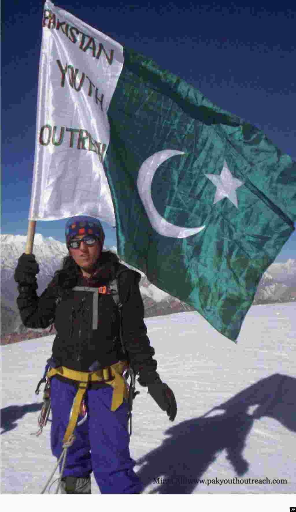 پاکستانی خاتون کوہ پیما