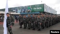 지난 2014년 11월 아프리카 라이베리아의 에볼라 퇴치를 돕기 위해 파병된 중국 인민해방군 보건요원들이 몬로비아 공항에 도착했다. (자료사진)