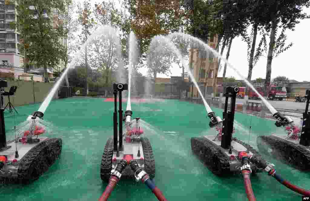 ربات های آتش نشان در چین