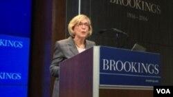 美國前商務部長富蘭克林星期二在布魯金斯學會發表主題演講 (美國之音莉雅拍攝)