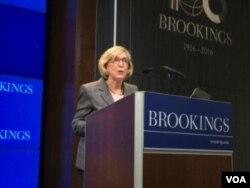 美国前商务部长富兰克林在布鲁金斯学会发表主题演讲 (美国之音莉雅拍摄)