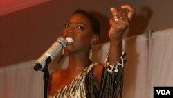 Lira akiimba katika tamasha la kusherehekea kuapishwa kwa rais Obama