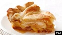 Es tan común encontrarla en las confiterías y restaurantes que se popularizó la frase 'As American as apple pie'.