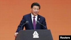 លោកប្រធានាធិបតី Xi Jinping ថ្លែងនៅក្នុងសន្និសីទ«អន្តរសកម្មភាពនិងវិធានការកសាងទំនុកចិត្តនៅអាស៊ី» ឬ CICA នៅទីក្រុងសៀងហៃប្រទេសចិនកាលពីថ្ងៃទី២០ ខែឧសភា ឆ្នាំ២០១៤។